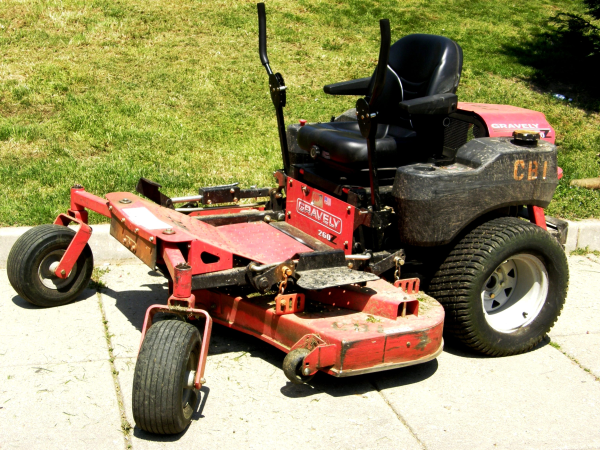 lawnmower_maintenance-resized-600