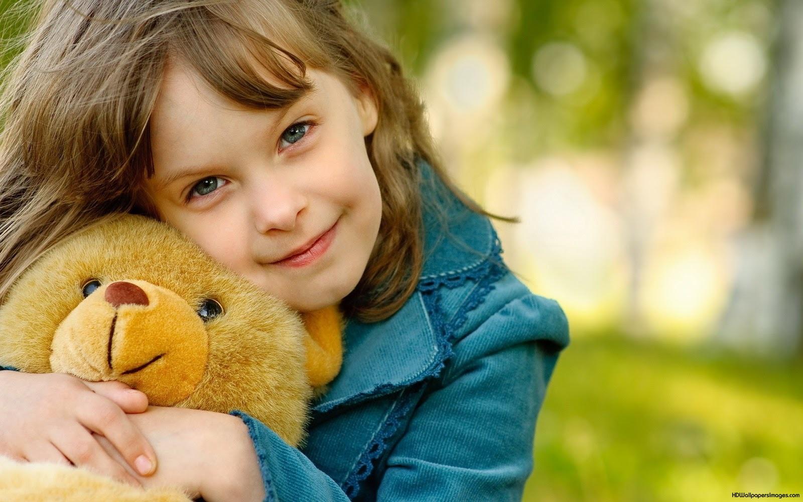 Girl_with_Bear