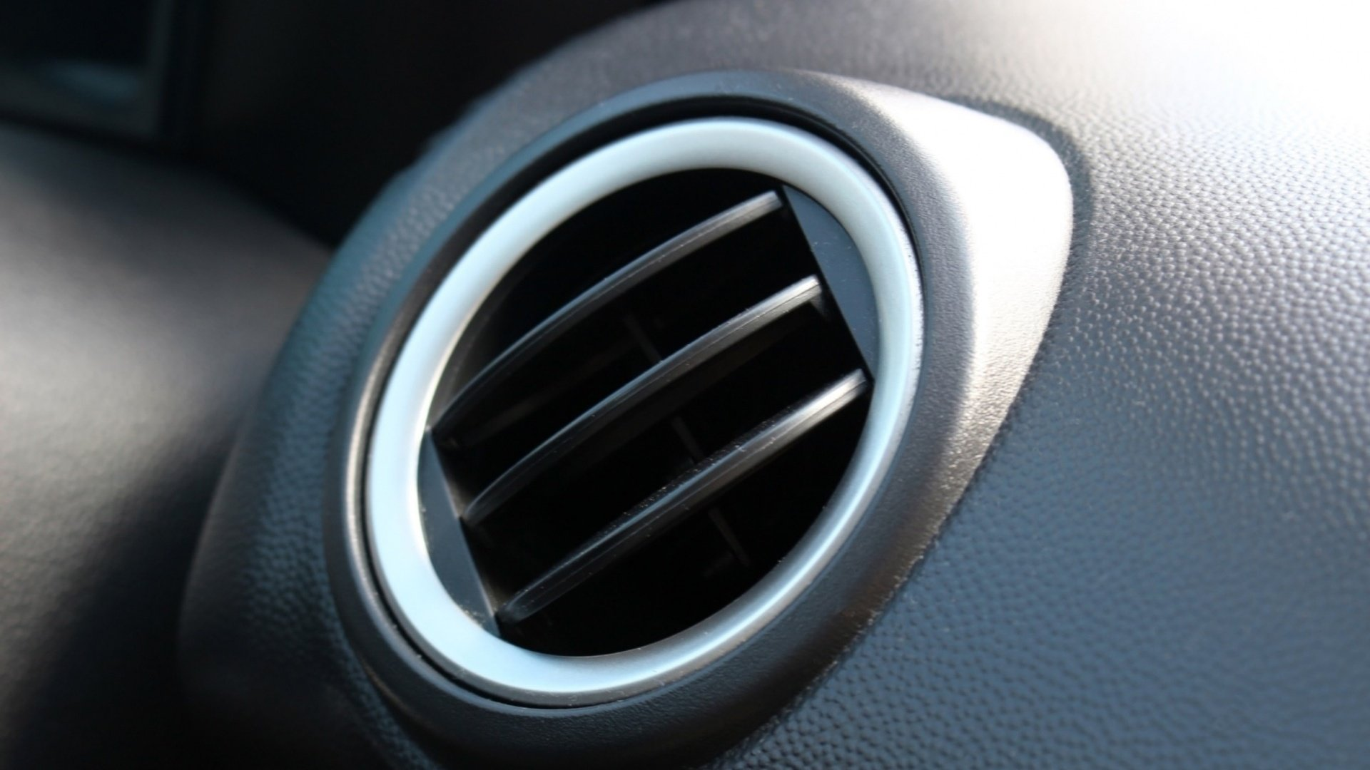 how-to-maintain-your-car-air-conditioner